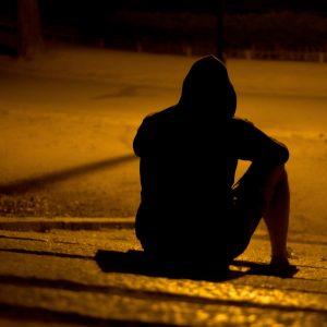 KAKO PREMAGATI OSAMLJENOST IN STRAH PRED TEM, DA OSTANEŠ SAM/A